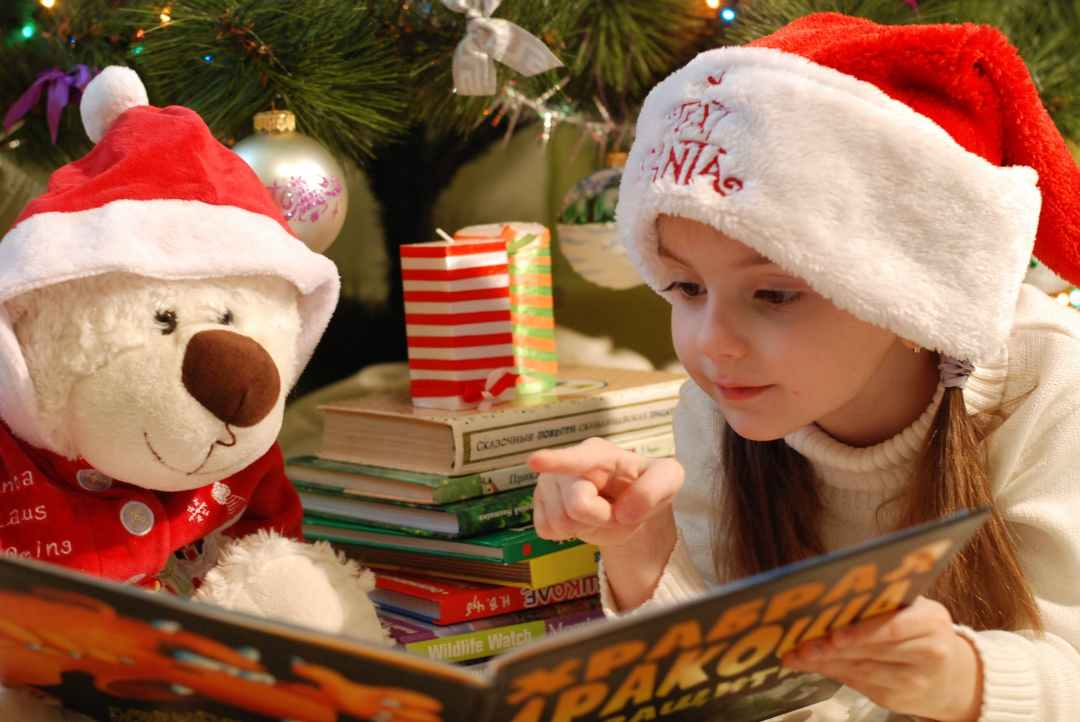 Kid Christmas Reading